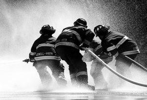 firefighter-1851945__340